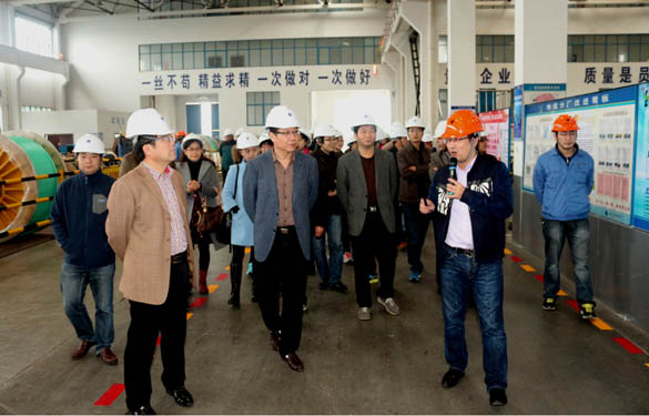 2015年11月21日,市光华高中党员、教师来上上电缆参观